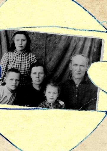 Gyveno senelis ir bobutė